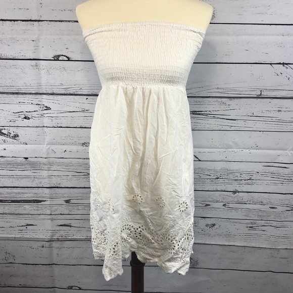 Dresses & Skirts - Crochet Off White Strapless Dress